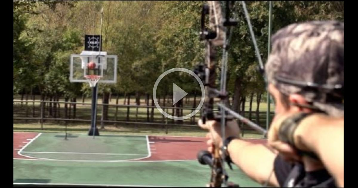 Archery Trick Shots | Dude Perfect! | WBMVIDEO 1806202329